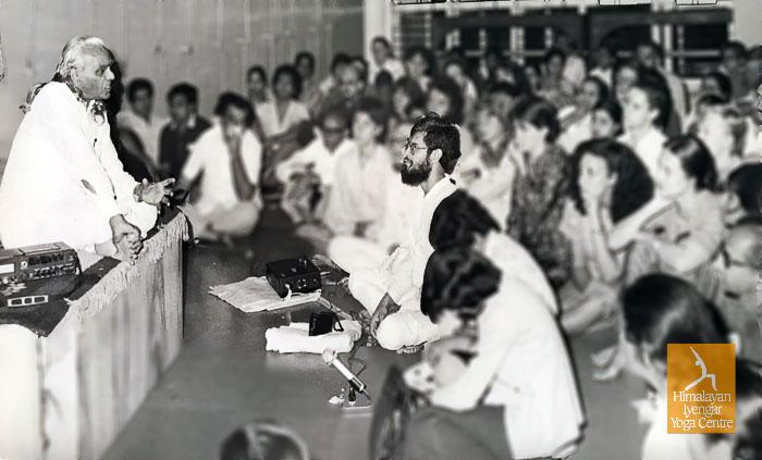 Guruji BKS Iyengar & Master Teacher Sharat Arora